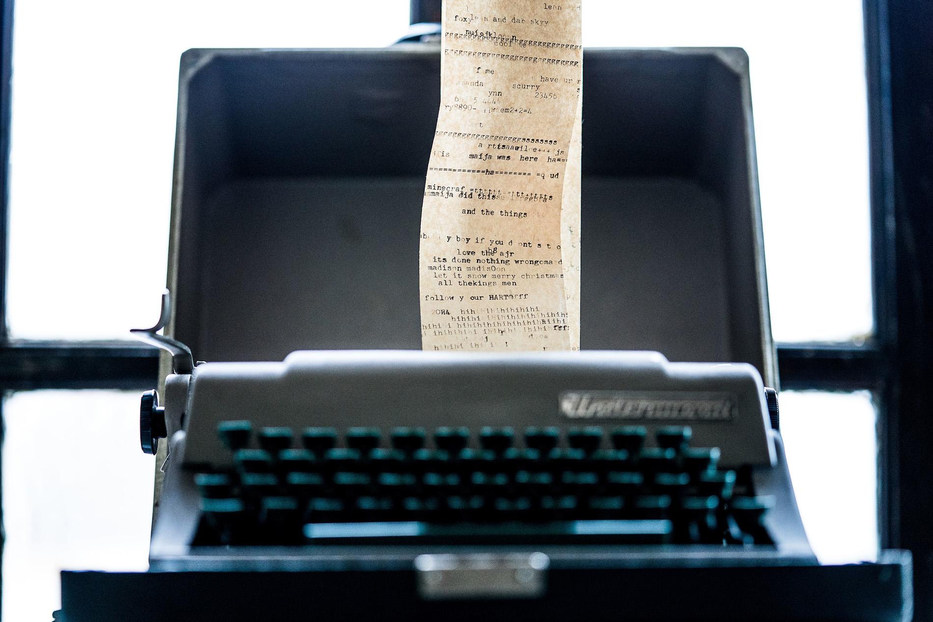 Typewriter JBWC slide